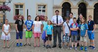 Im Zuge des Ferienpasses empfing Landaus Oberb�rgermeister Thomas Hirsch 12 Kinder und Jugendliche im Rathaus