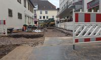 Seit Anfang September wird die Badstra�e in der Landauer Fu�g�ngerzone saniert und modernisiert