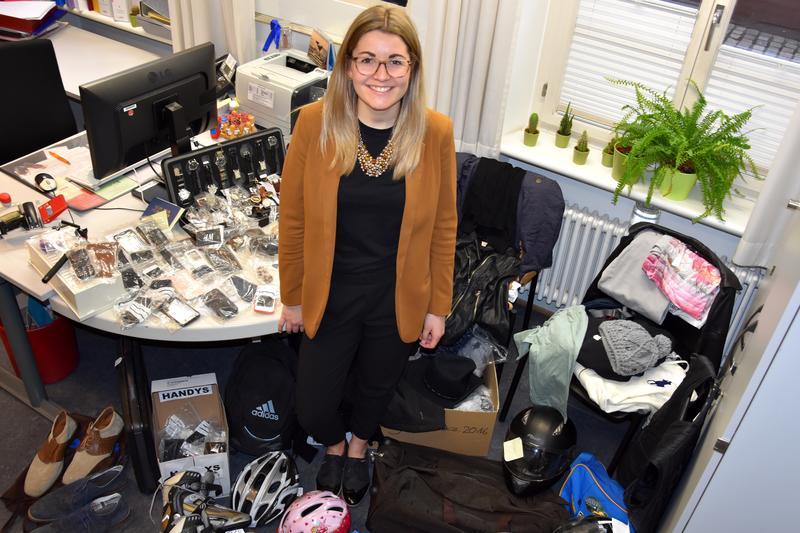 Wer vermisst Schmuck, Brille, Schlüssel? Bürgerbüro der Stadt Landau hat Fundsachen abzugeben