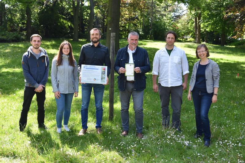 """Für Bienen, Schmetterlinge und Co.: Stadt Landau und Universität Koblenz-Landau stellen Kooperationsprojekt """"Bunte Wiese"""" vor"""