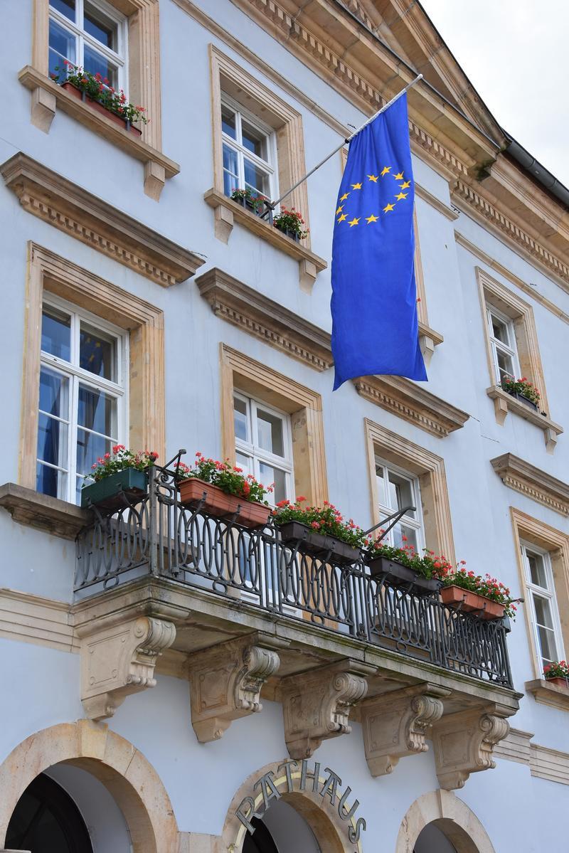 Letzte Vorbereitungen für Europa- und Kommunalwahlen in Landau laufen – Bereits knapp 10.300 Anträge auf Briefwahl – Bürgerinnen und Bürger können Wahlergebnisse live im Rathaus oder im Internet verfolgen