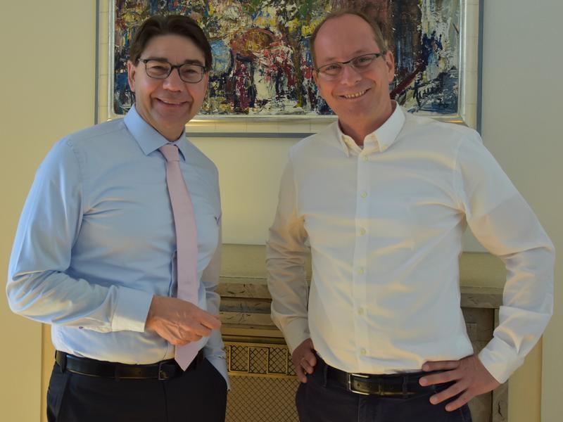 Städtetagvorsitzender und OB Thomas Hirsch (l.) empfing jetzt den designierten rheinland-pfälzischen CDU-Generalsekretär Gerd Schreiner im Landauer Rathaus.