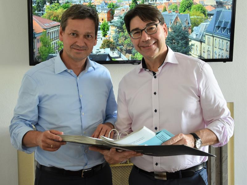 Vor-Ort-Austausch im Landauer Rathaus: Oberbürgermeister Thomas Hirsch (r.) und CDU-Fraktionschef Christian Baldauf.