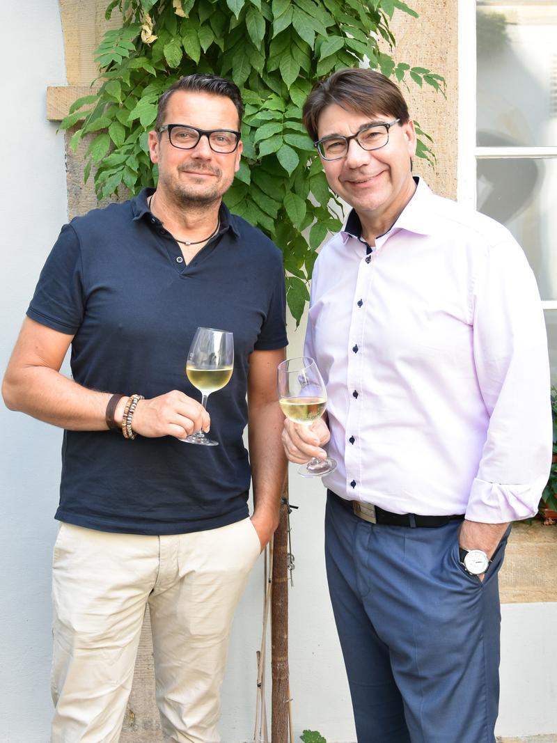 Freuen sich auf gute Zusammenarbeit: Bernd Wichmann (l.), der neue Landauer Tourismuschef, und OB Thomas Hirsch.