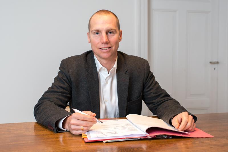 Rechtsanwalt Alexander Grassmann hat zum 1. September seine Arbeit als ehrenamtlicher Beigeordneter der Stadt Landau aufgenommen.