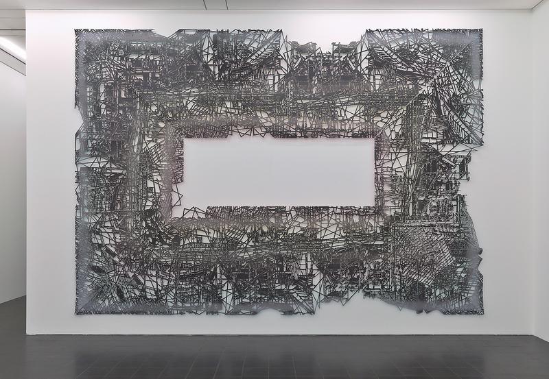 """Unter dem Titel """"fortuna – Echoräume der Wirklichkeit"""" zeigt Gabriele Basch ab Samstag, 19. Oktober, Malerei, Papierschnitte und raumbezogene Folien-Cut-outs in der Städtischen Galerie Villa Streccius in Landau."""