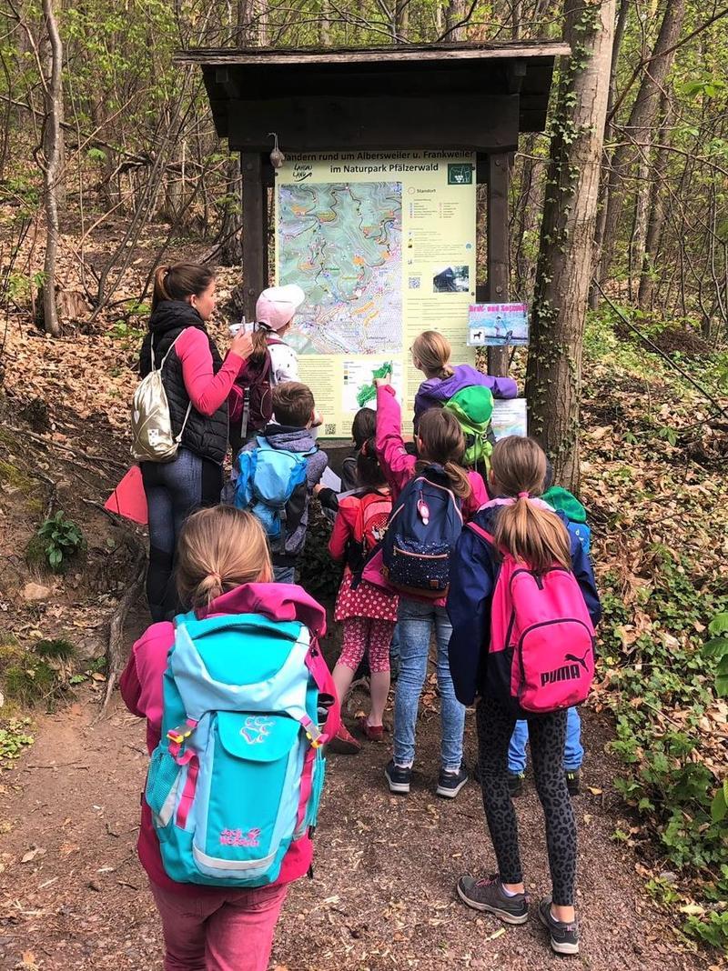 Ob im Wald, auf dem Bauernhof oder in der Zirkusmanege: Für die Ferien im nächsten Jahr hat die Jugendförderung Landau wieder ein abwechslungsreiches Programm auf die Beine gestellt.