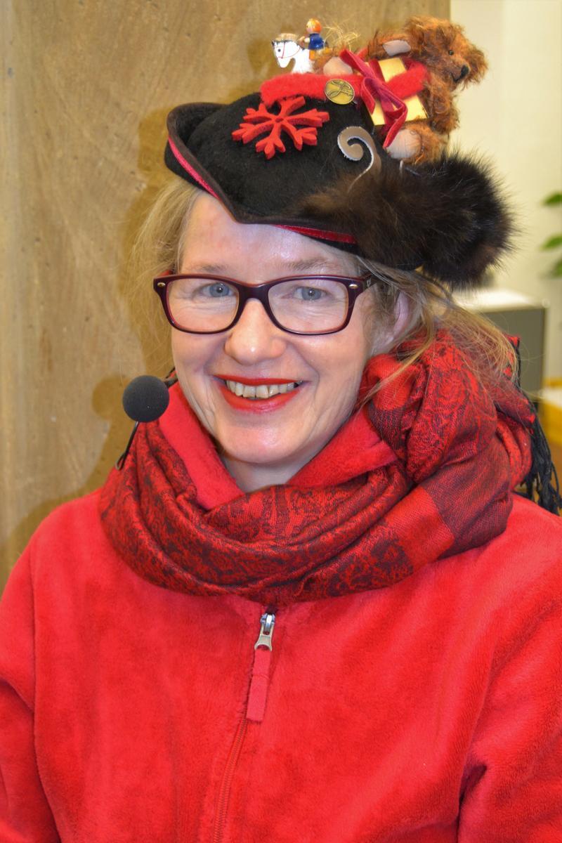 Andrea Miller begeistert mit ihrem Rebknorze-Theater kleine und große Besucherinnen und Besucher.