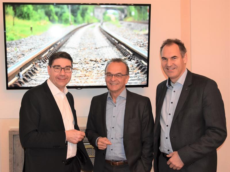 Die Mobilität in der Südpfalz war Thema des jüngsten Arbeitsfrühstücks von OB Thomas Hirsch, Landrat Dr. Fritz Brechtel und Landrat Dietmar Seefeldt (v.l.n.r.).
