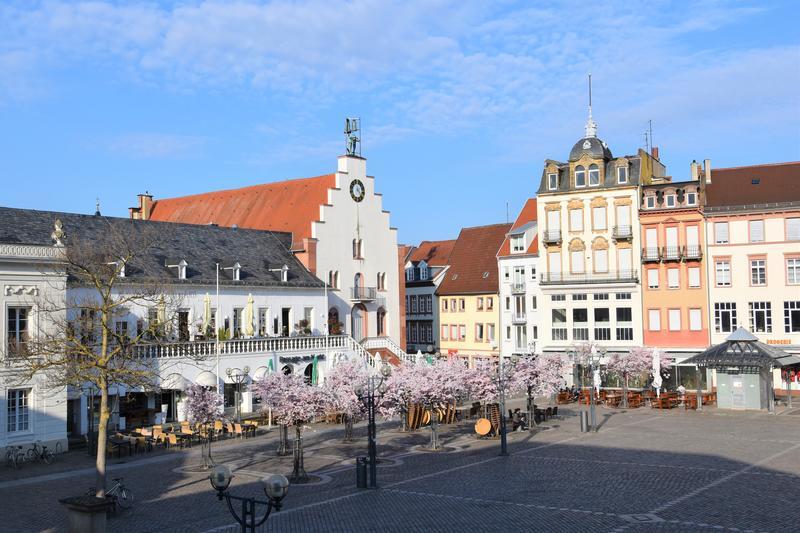 Lockerungen sind in Sicht: Auch die attraktive Landauer Innenstadt wird sich bald wieder belebter präsentieren.